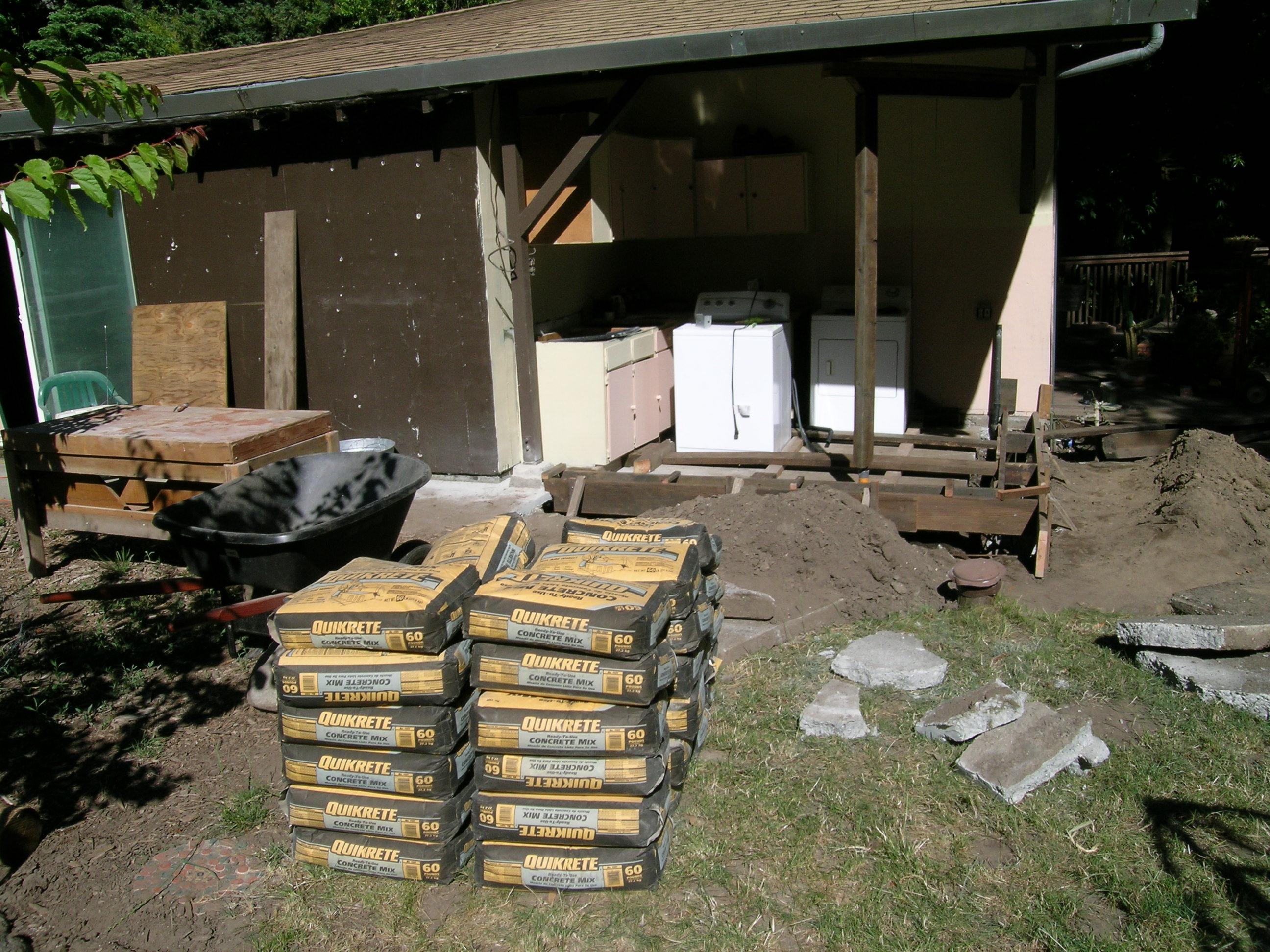 Cordwood masonry studio lovecreekfarm for Cordwood house foundation